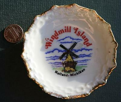 1960-70s Era Holland,Michigan Windmill Island miniature souvenir plate-VINTAGE!