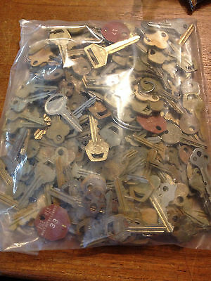 Amazing! Lot of 200+ Various Keys Roughly 4 Lbs - House, Car, File & More!