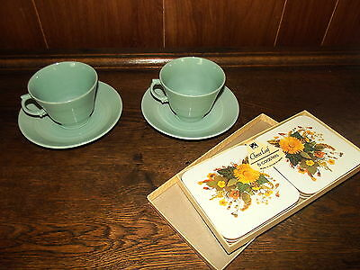 2 x Woods England Bery Teacups & Saucers Set & Boxed Clover Leaf Placemats