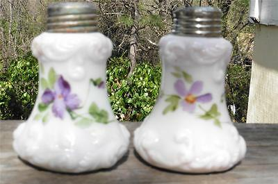 Vintage Custard Milk Glass Salt & Pepper Shaker Hand Painted Violets