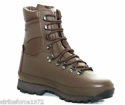 NEW - ALTBERG Defender Army Issue Brown Combat Boots - UK Size 10 WIDE - MALE