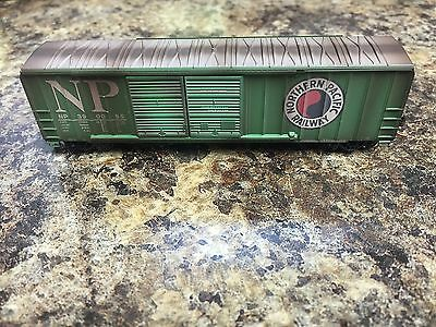 Micro-Trains MTL 030 44 210 50' boxcar Northern Pacific weathered