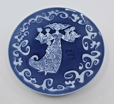 1972 Royal Copenhagen Denmark Mother's Day Plate Blue Denmark Baby Mother White