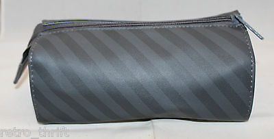 Quantas Airlines Australia Travel Amenity Kits Bag Pouch Grey Stripes Zipper