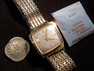 14K SOLID GOLD BULOVA ACCUTRON  TV CASE WATCH 14K SOLID GOLD Near perfect