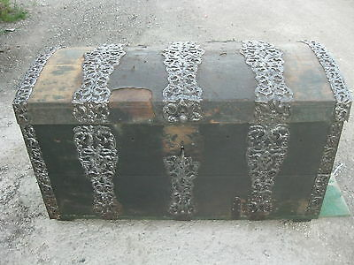 Antique XVIII c. Estonian Big Iron-shod chest