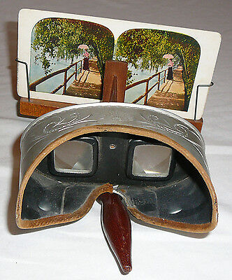 Underwood & Underwood Sun Sculpture antique stereoscope and 27 assorted cards