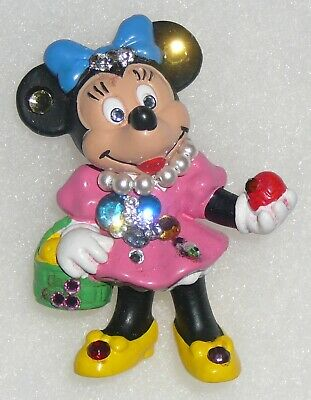 Artisan decorated Minnie Mouse with basket latex brooch
