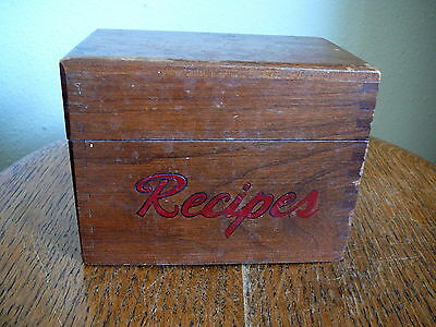 VINTAGE WOOD WOODEN  RECIPE BOX 3x5 CARDS - DOVETAILED CORNERS - VERY GOOD