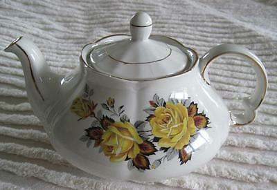 Ellgreave Genuine Ironstone Yellow Rose 4 Cup Teapot Gold Trim