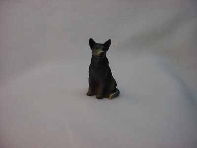 AUSTRALIAN CATTLE DOG Blue Heeler puppy TiNY FIGURINE MINIATURE Mini Statue NEW