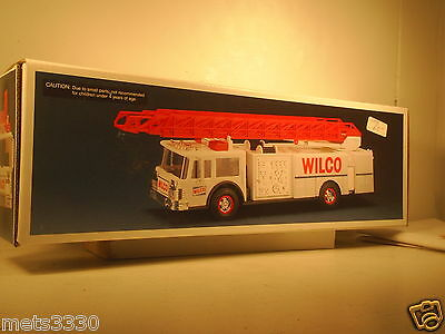 1990 WILCO GASOLINE FIRE TRUCK TOY BANK hess tires