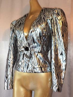 DRAMA QUEEN! SHIMMERY SILVER w/BLACK 1980s Vintage FITTED TUXEDO JACKET TOP - SM