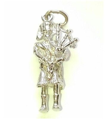 (CZ29) Vintage Sterling Silver 3D Bagpiper Charm/Pendant