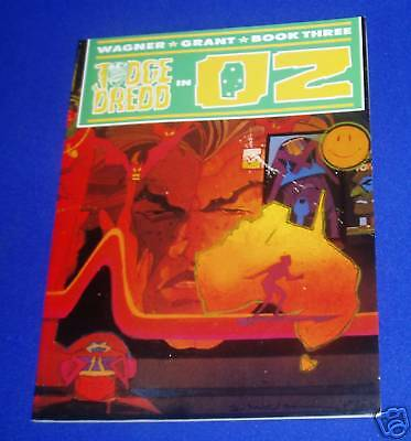 Judge Dredd in Oz 3: First edition.  vfn.