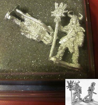 Frostgrave FGV110 Witch & Apprentice (2) Miniatures Wizard Shaman Witchdoctor