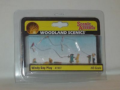 Woodland Scenics Scenic Accents Windy Day Play #a1937 Ho Scale