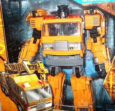 New 2011 Transformers HFTD Reveal the Shield Voyager Class Solar Storm Grappel