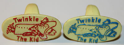 2x Twinkie The Kid Collectible Plastic Rings Red and Blue