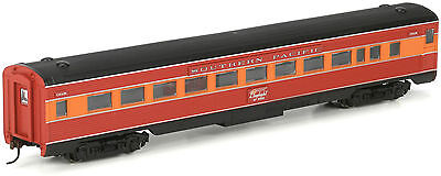 Athearn HO Scale Streamlined Passenger Coach Southern Pacific/SP/Daylight #10200