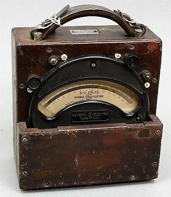 Antique PRE-WWI GE GENERAL ELECTRIC 8DP-2 VOLTMETER WOOD CASE LEATHER HANDLE