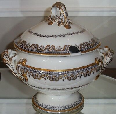 Superb Antique Wedgwood English Pottery Covered Sauce Tureen