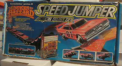 Dukes of Hazzard Speed Jumper Action Stunt Play Set Game 1982 IN BOX FRENCH
