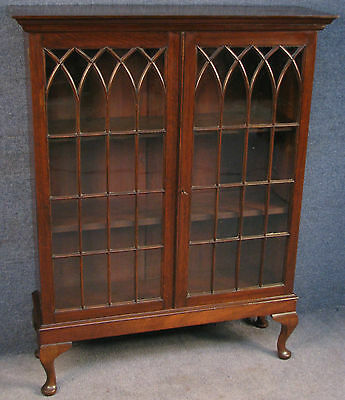 Edwardian Oak Astragal Glazed Bookcase / Cabinet