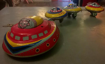 ROBOT UFO Space Ship JMT 49 flying saucer futur toys fusée Made in China