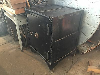 Antique Safe Sargent and Greenleaf Mosler Working with combination Cast Iron
