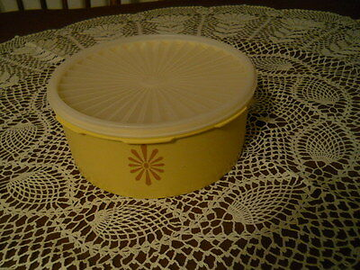 Vtg Tupperware Servalier Yellow Canister Storage Container # 1204 Sheer Seal