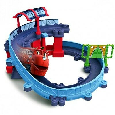 Chuggington - Die Cast - Set Stadt Station mit Schienenlift & Wilson