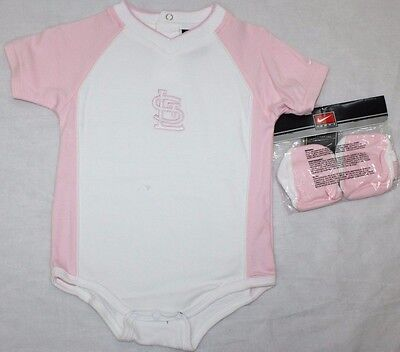 NEW Girls Infant Toddler NIKE St Louis CARDINALS 3 piece Pink set Bib & Booties