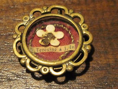 Vintage Vatican flower religious medallion with paperwork