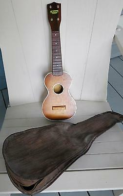 VINTAGE HARMONY UKULELE UKE 1950's ? 1960'S ? WITH SOFT CASE USA INSTRUMENT