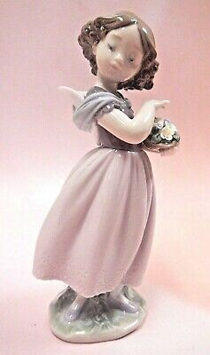Adorable Innocence Special Edition Girl Porcelain Figurine By Lladro 2016  #8734
