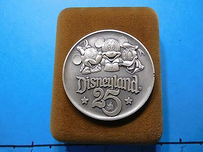 2.3 Oz Mickey Minnie Mouse Disney Donald Duck Disneyland 25Th 1/10 Silver Coin