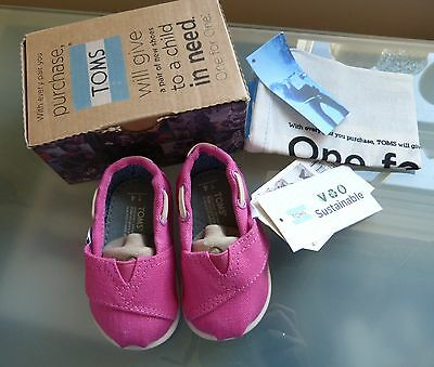Toms Baby Shoes Girls New 3 Canvas Classic Pink Earthwise Boxed £29 Fabric BNIB