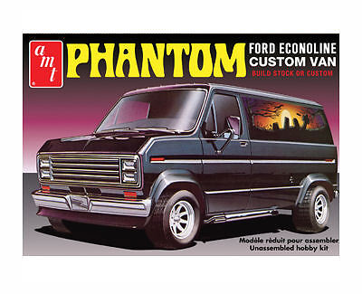 "1:25 1976 Ford Custom Van ""Phantom"" Plastic Kit"