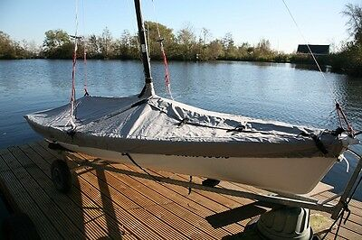 Laser 2 Sailing Boat Dinghy Cover c/w 4 adjustable tie down straps mast up