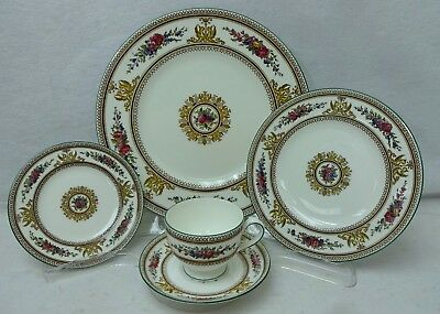 WEDGWOOD china COLUMBIA WHITE W595 Green Trim 5-piece Place Setting
