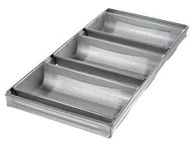 3-Strap Hearth Bread Pan, Chicago Metallic, 44405