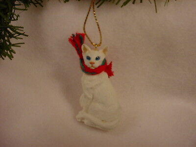ORIENTAL WHITE CAT Ornament HAND PAINTED Figurine CHRISTMAS kitty shorthair NEW