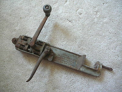 Dazey Churn Co. - Vintage 1925 Heavy Duty Commercial Can Opener Cast Iron