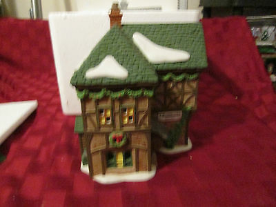Dept 56 T Puddlewick Spectacle Shop W/sign #58331 Dickens Village / Retired Mib