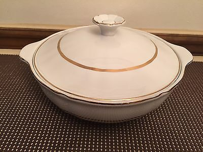 """Alfred Meakin """"PERFECTION GOLD"""" ~ Covered Serving Dish w/Lid ~ 8 5/8"""""""