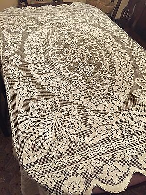 Beautiful Vintage Handmade Hand Made Filet Lace Scalloped Tablecloth 77.5""