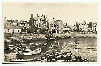POSTCARD-SCOTLAND-DUNDEE-BROUGHTY FERRY-RP. The Harbour.