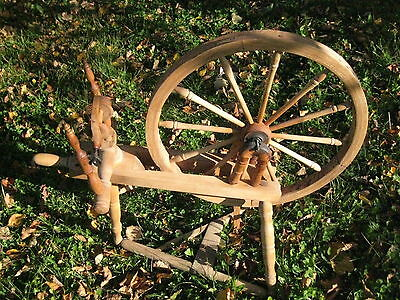 Antique SOLID OAK SPINNING WHEEL Sweden Big Wheel 23""
