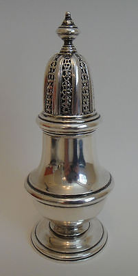Hallmarked sterling silver heavy vintage SUGAR CASTOR  London 1964 / 5.35 tr oz.